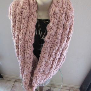 Free People Chunky knit infinity scarf rose